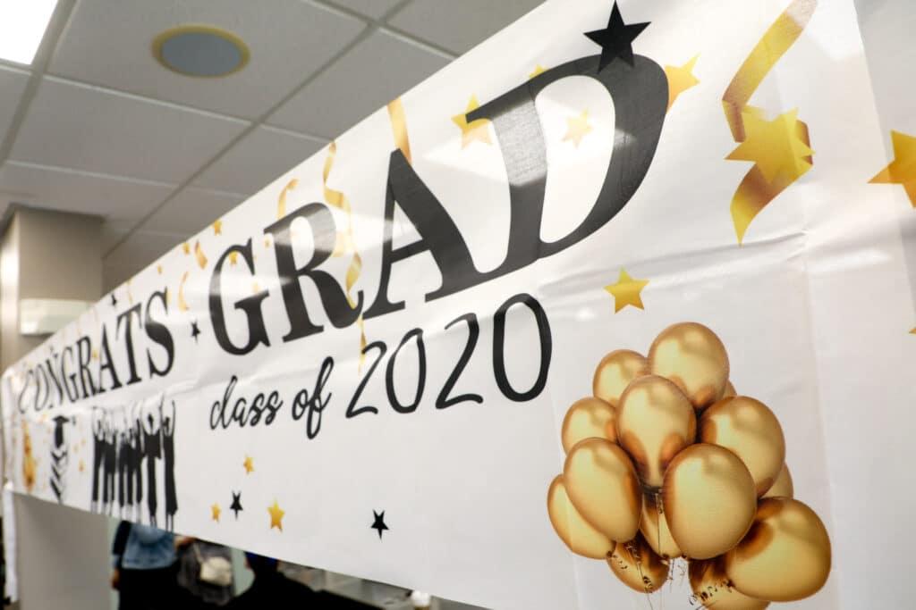 iic grad banner